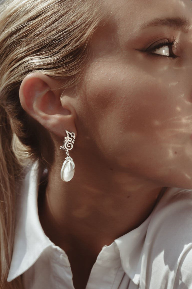 ziio-jewels-earrings-tresor-pearl-lg-french-clip